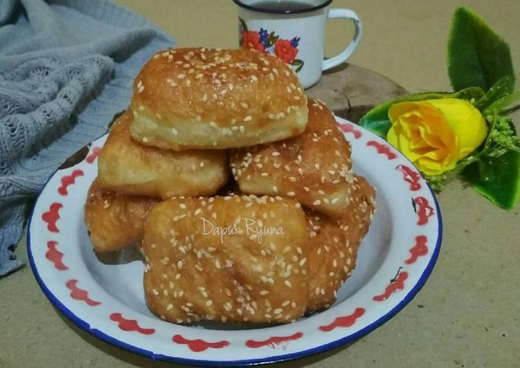 Gembukan / Roti Bantal / Odading / Roti Goreng Tanpa Telur