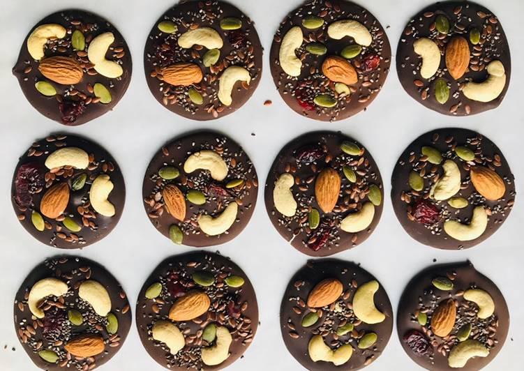 Chocolate mendiants Recipe by Aarya Patel (cookupwithaarya) - Cookpad