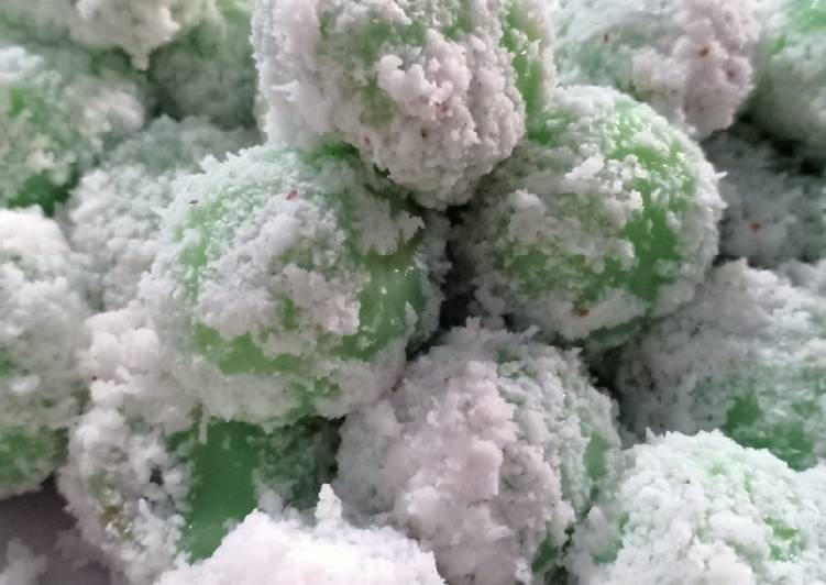 Kue kelepon - cookandrecipe.com
