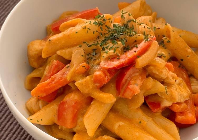 Creamy chicken paprika pasta