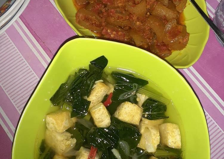 Resep Sayur bening sawi hijau (daun caisim) + tahu Yang Populer Dijamin Ngiler