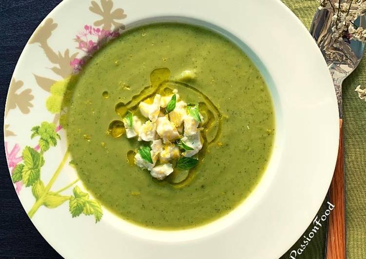 Soupe de courgette, petits pois et basilic  @4PassionFood #cuisinedumonde