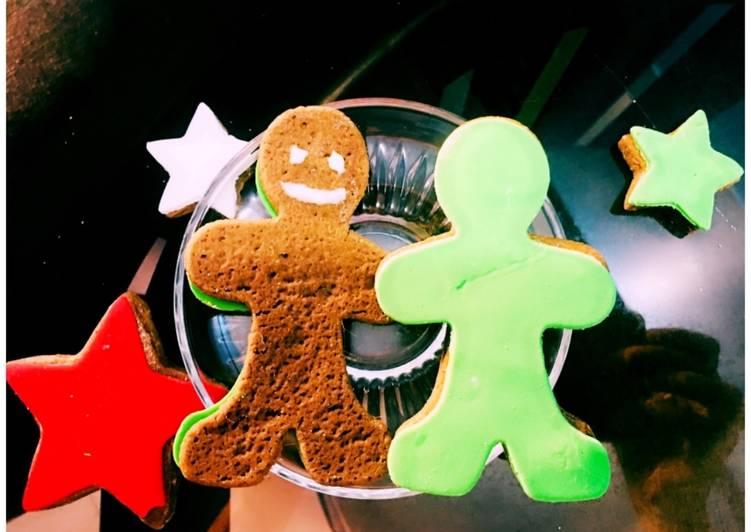 Vegan Gingerbread men cookies