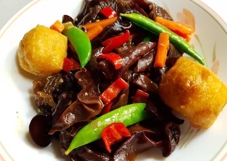 Buddhist Recipe: Stir Fry Black Fungus with Sugar Snap Peas