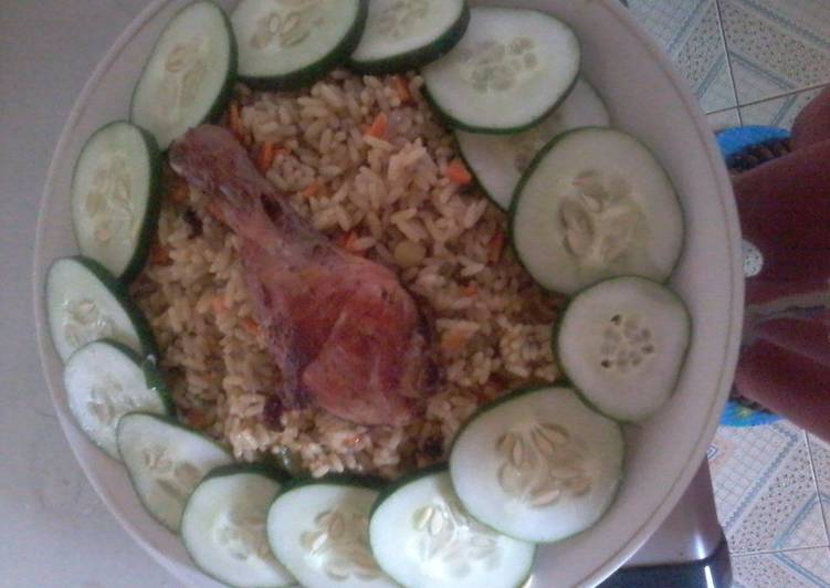 Steps to Make Homemade Fried rice and chicken