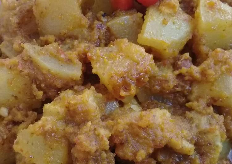 Kikil sapi pedas bumbu kacang