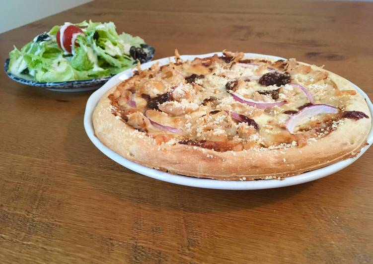 Recipe: Appetizing BBQ Chicken Pizza