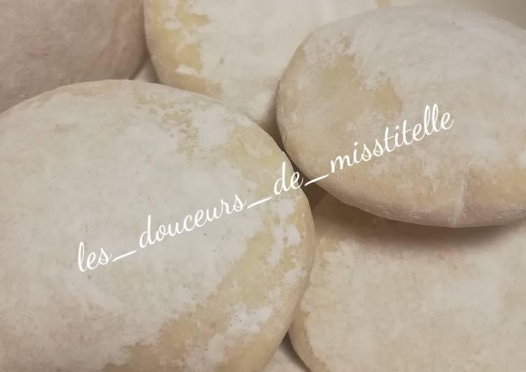 "Petits pains ""faluches"""