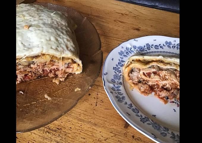 Italian flatbread farci en roulé au veau oignons caramélisés champignons fromage et épices