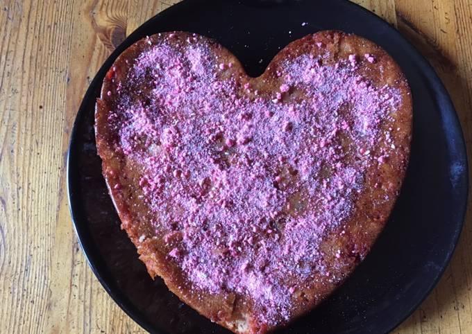 Gâteau aux poires et pralines roses