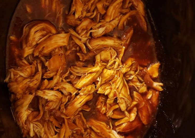 Slow Cooker Shredded BBQ Chicken