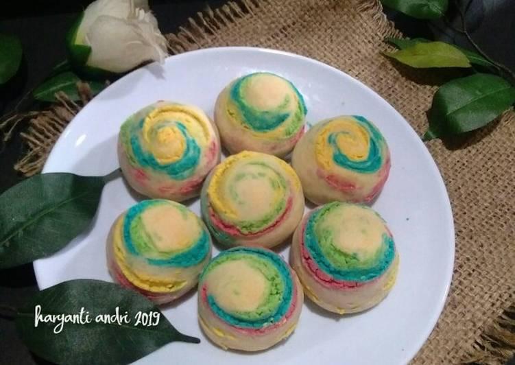 Thousand layer rainbow mooncake