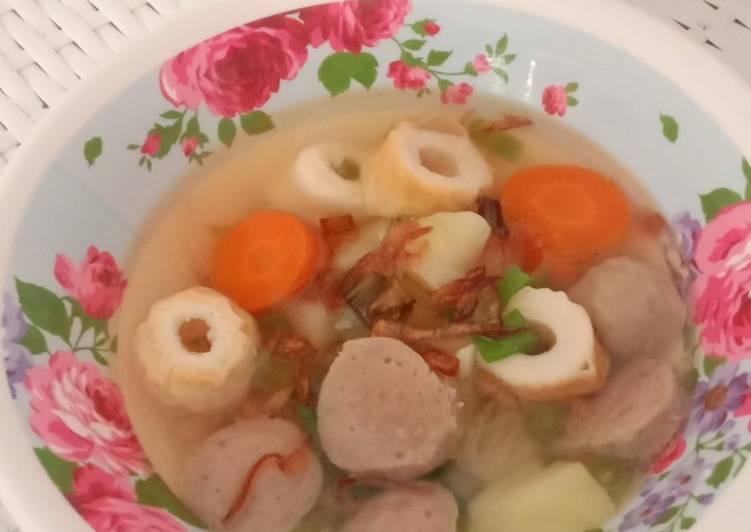 Bagaimana Cara Menyiapkan Sup Bakso Chikuwa Untuk Anak Super Resep Masakanku