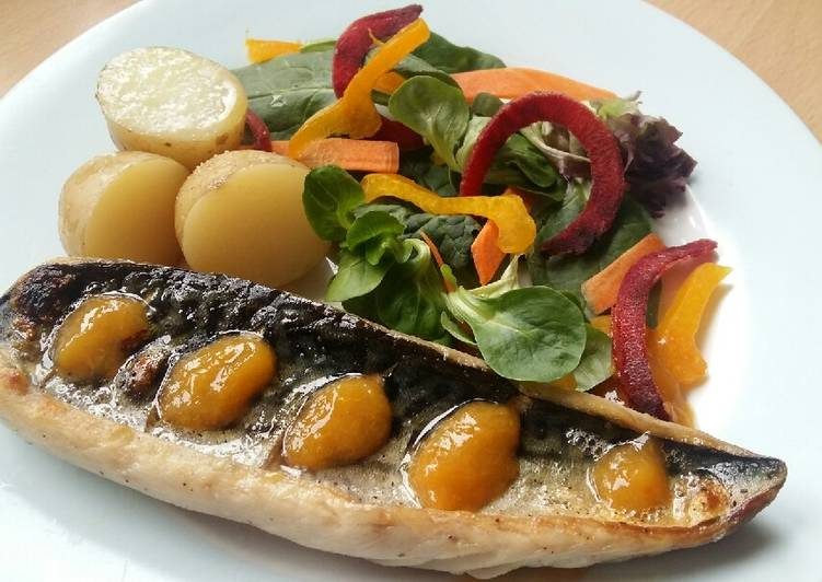 Vickys Mackerel with New Potatoes & Apricot Sauce GF DF EF SF NF