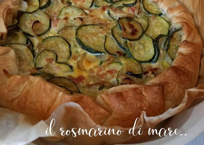 Torta salata con zucchine e cipolle