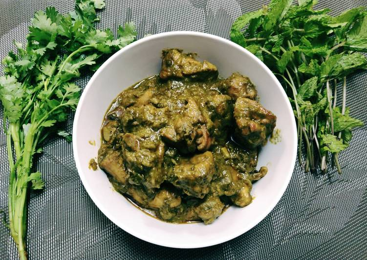 Hariyali Chicken Gravy