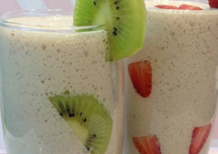 Recipe of Award-winning Kiwi & Strawberry Smoothie #ramadankitayari
