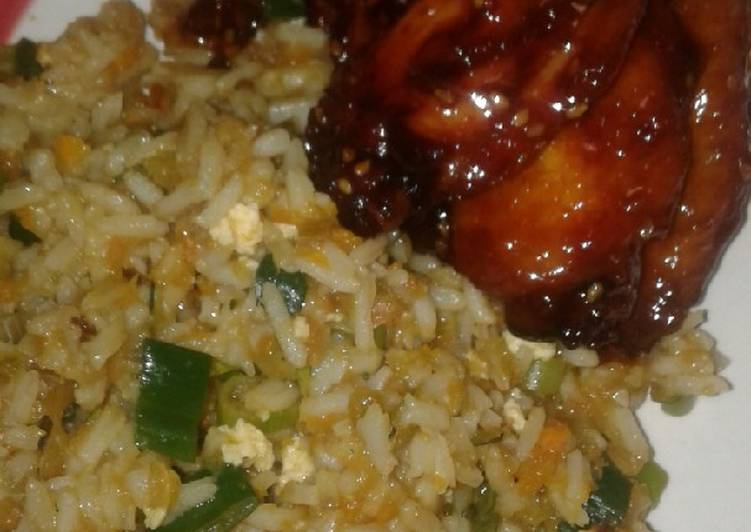 Recipe of Speedy Honey soy chicken wings and fried rice