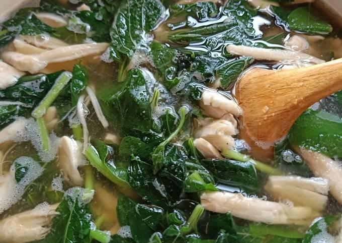Sup sayur cendawan busut masak lada hitam