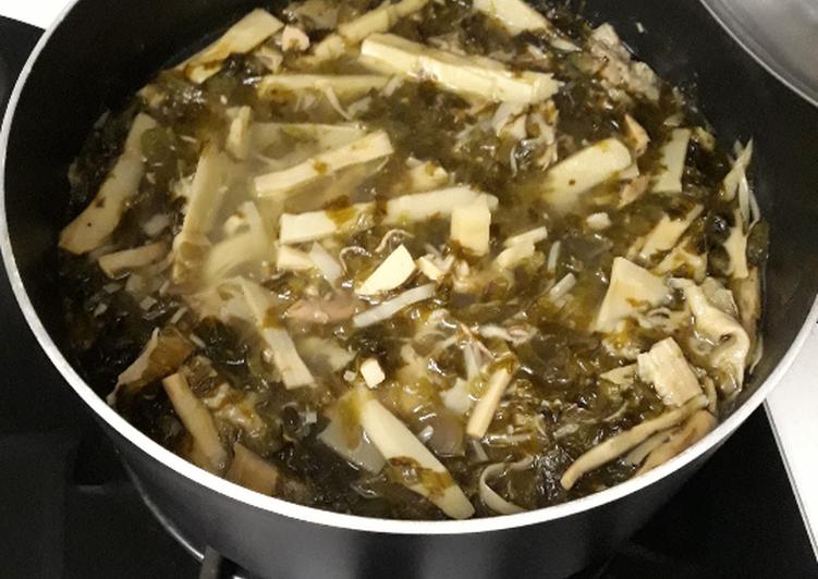 Sup rebung dan sayur asin
