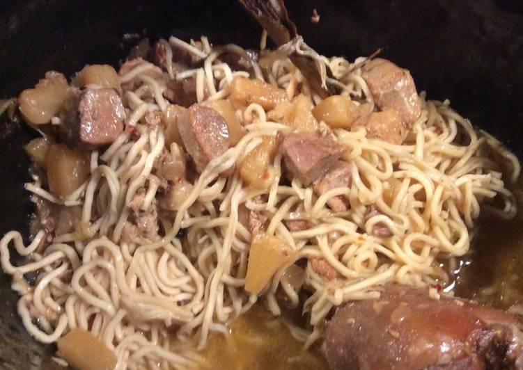 Recette: Sauté de porc à l'ananas et noddles