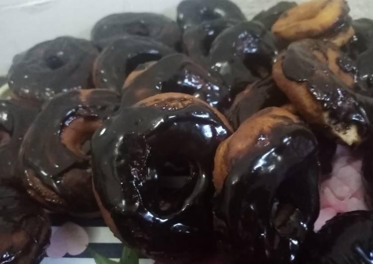 Chocolate glazed doughnut 🍩