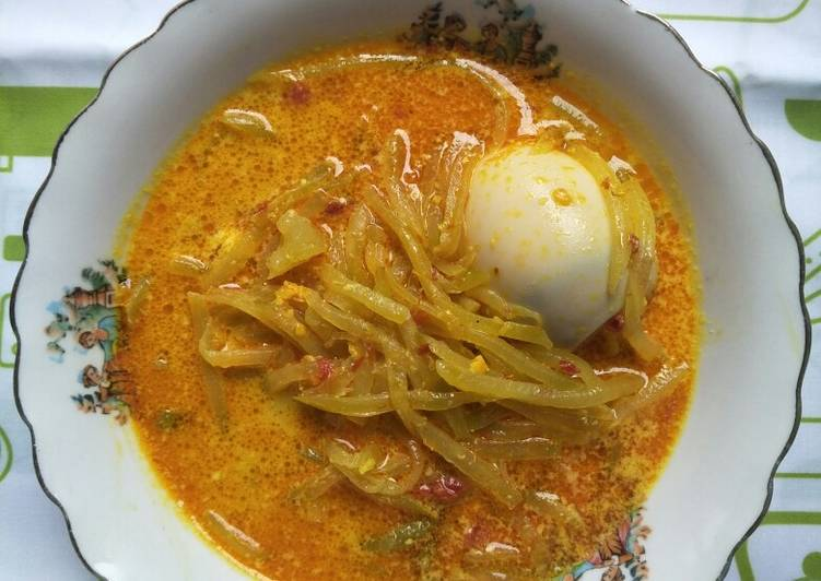 Sayur Lodeh Labu Siam a.k.a Lontong Sayur