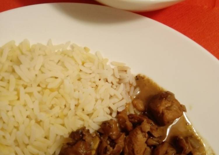 Hühnchenbrust in Granatapfel-Walnuss-Sauce