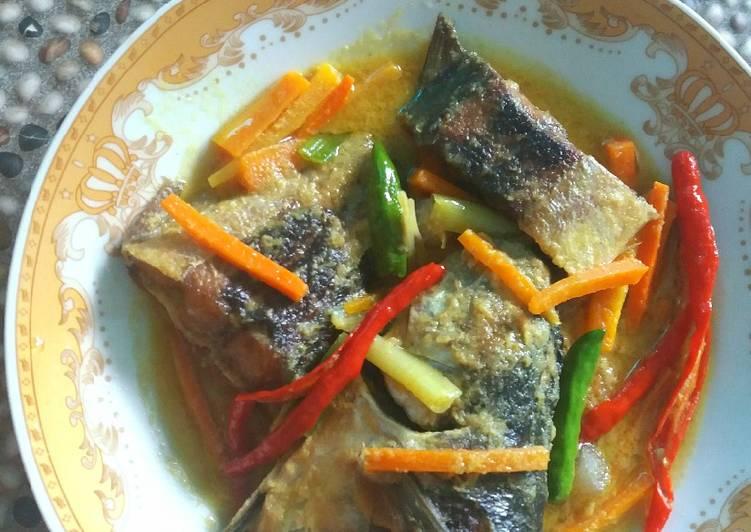 Ikan Caru (Cencaru) Masak Acar Kuning