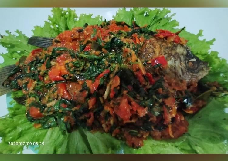 Ikan Gurame goreng rica rica kemangi