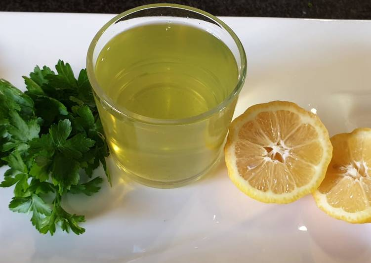 Steps to Make Perfect Parsley tea for weight loss