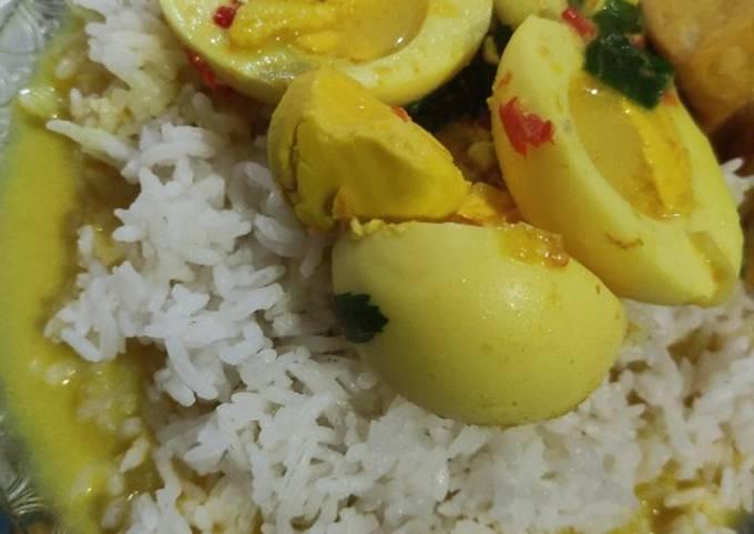 Bagaimana Menyiapkan Santan Telur / Bumbu opor ayam Anti Gagal