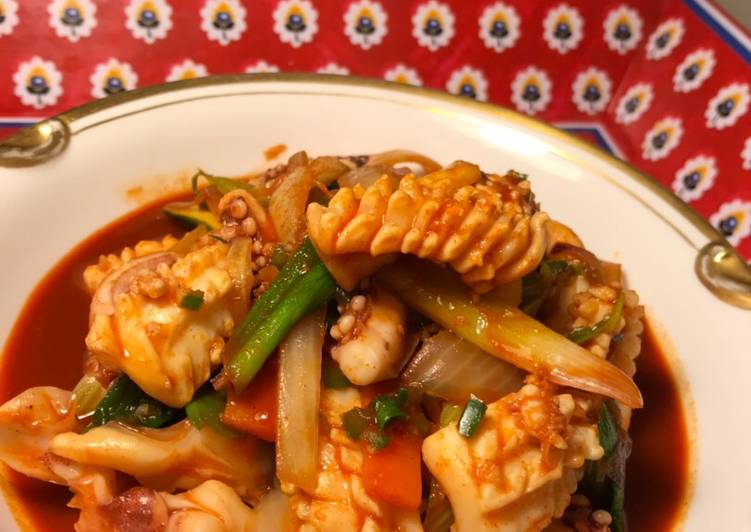 O Jing Eo Bokk Geum (Stir Fried Squid)