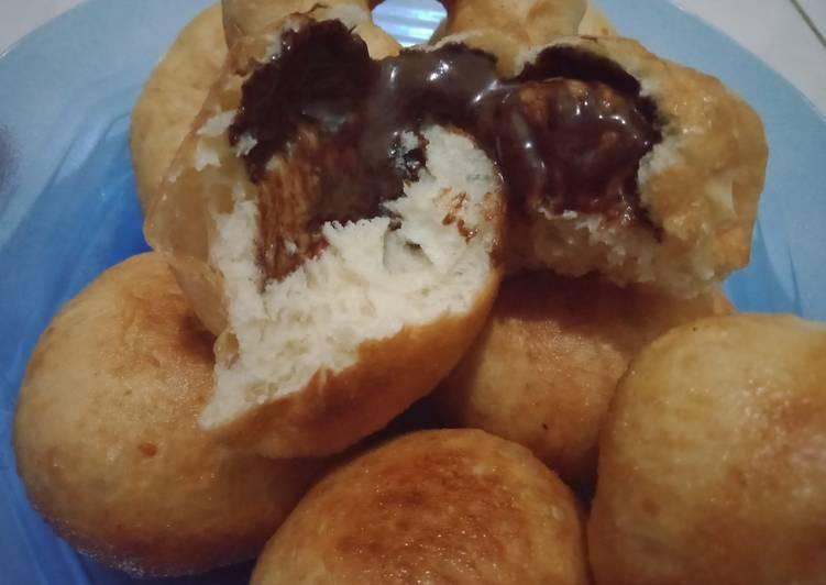 Roti goreng coklat lumer (irit bahan)