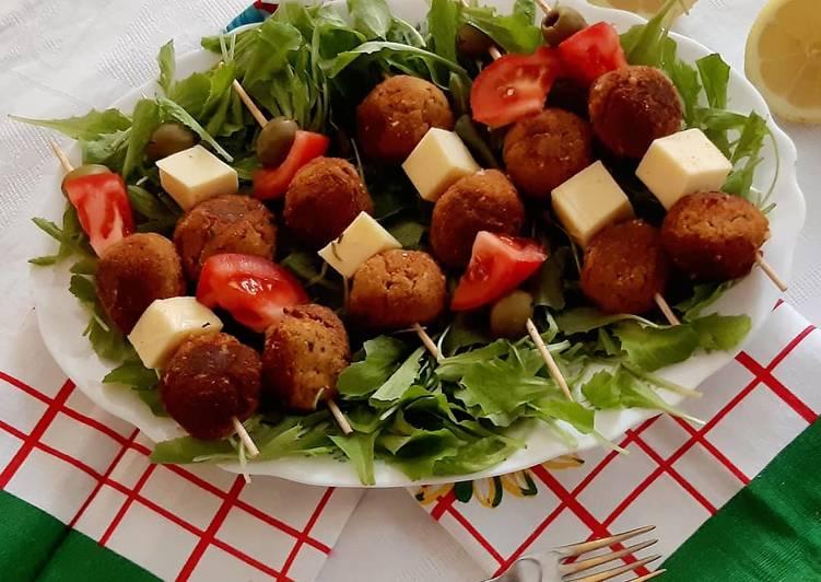 Ricetta Spiedini di polpette legumi e verdure