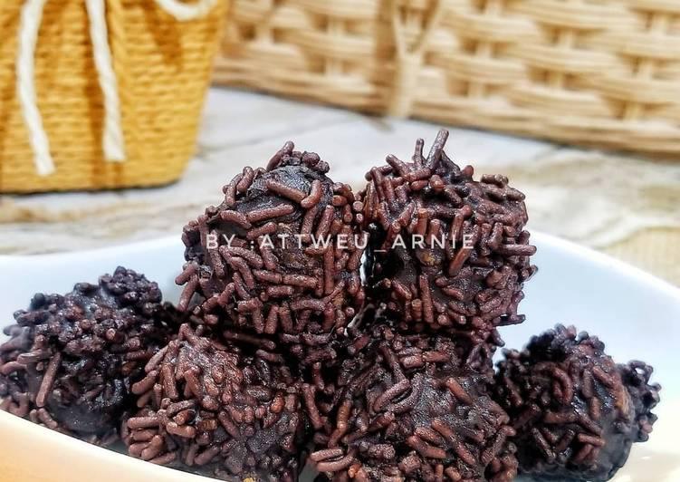 Resep Resep kue bola-bola coklat / kue simple banget oleh Attweu