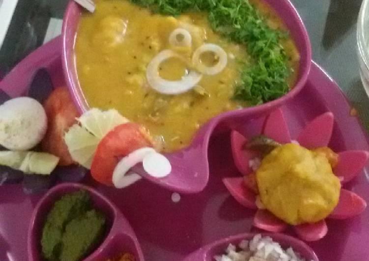 Stuffed veg kachori dal dhokali