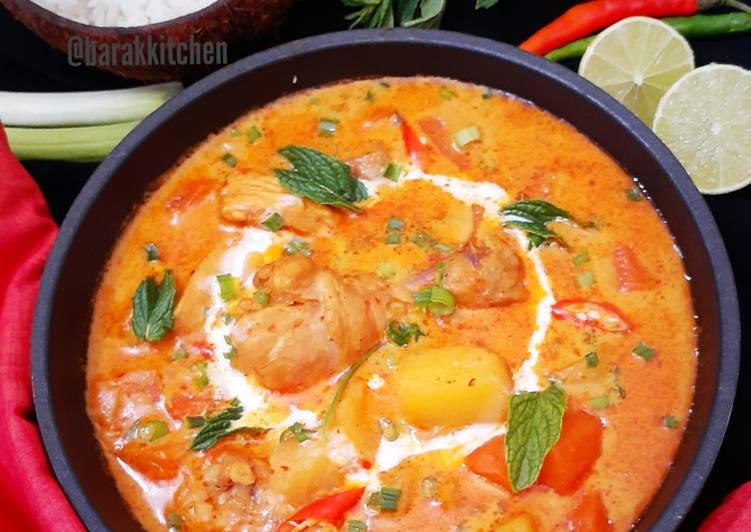 Thai Style Red Chicken Curry