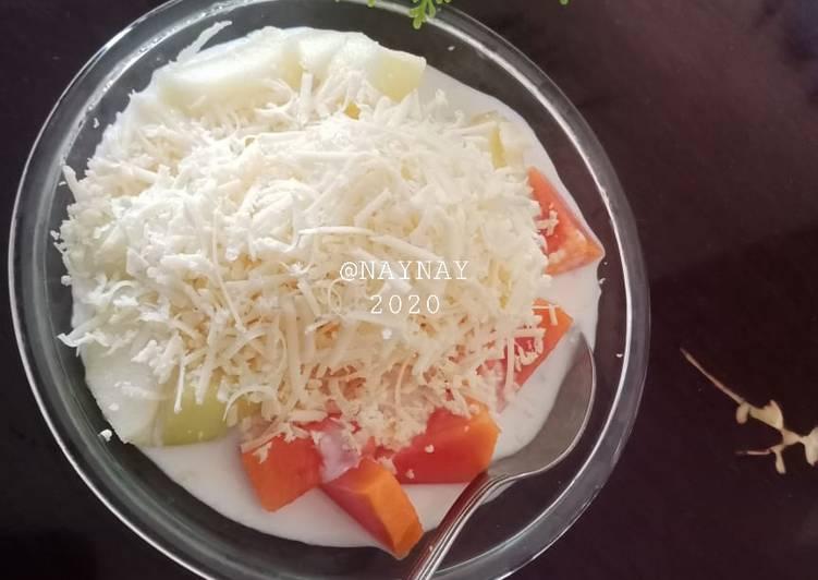 Salad Buah Yogurt