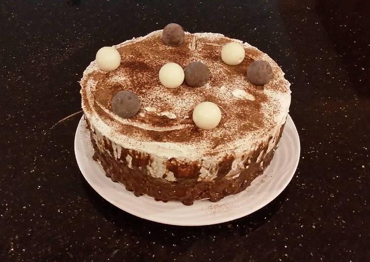 White Truffle Cake