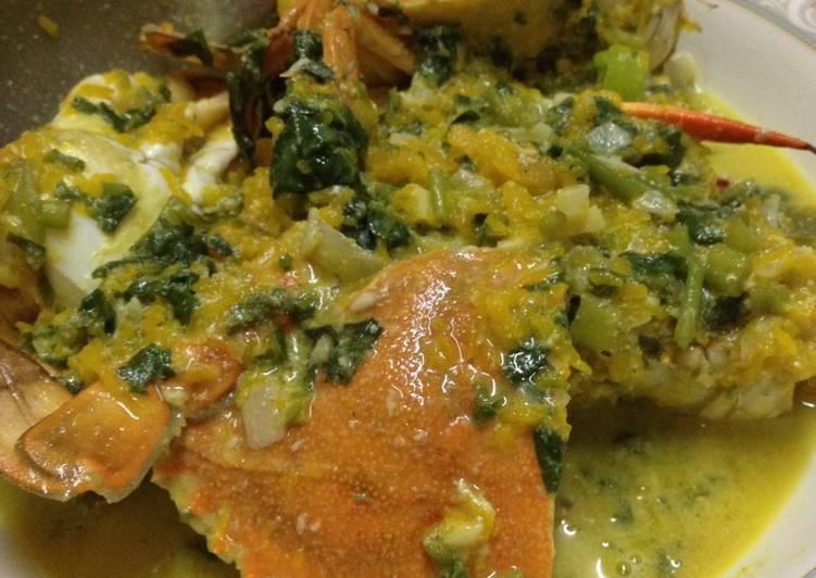 Crab in Coconut Squash Sauce - Filipino Ginataan na Alimasag