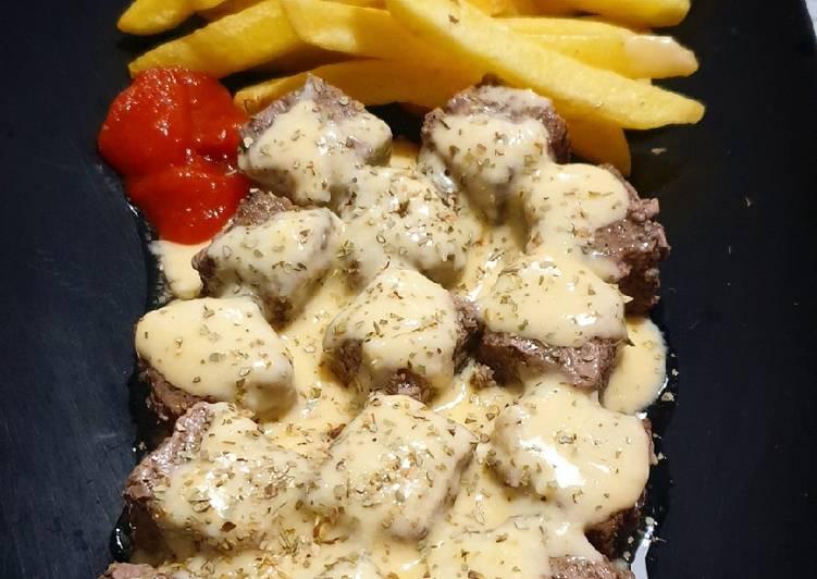 Resep Steak Cube Saikoro Wagyu Dengan Saus Keju Oleh Anton Md Cookpad