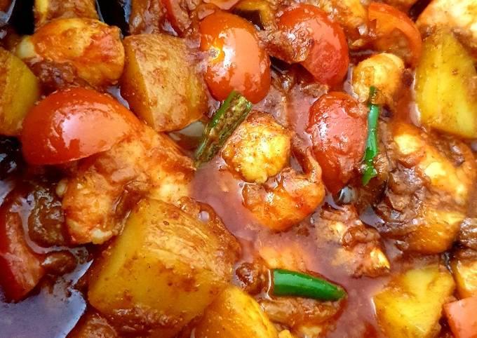 King Prawn bhuna with potato