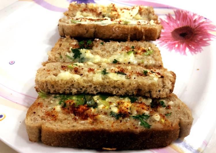 How to Make Homemade Garlic Bread