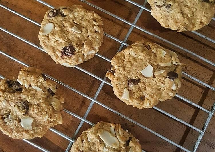 Oatmeal Almond Choco Cookies