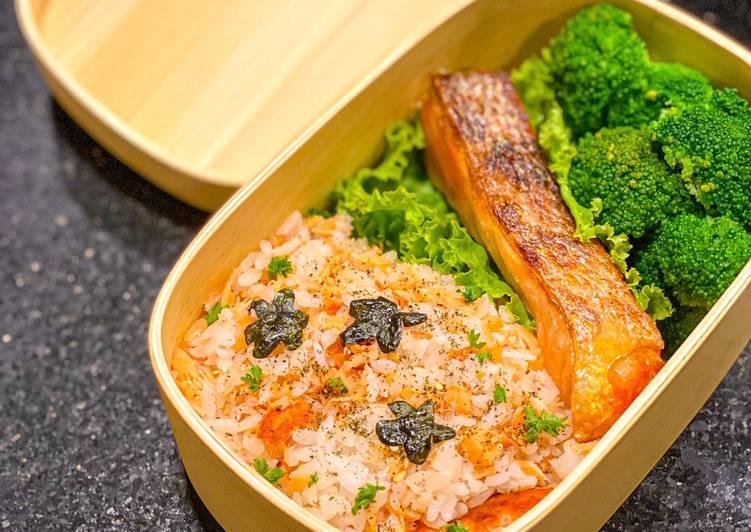 Salmon donburi bento box