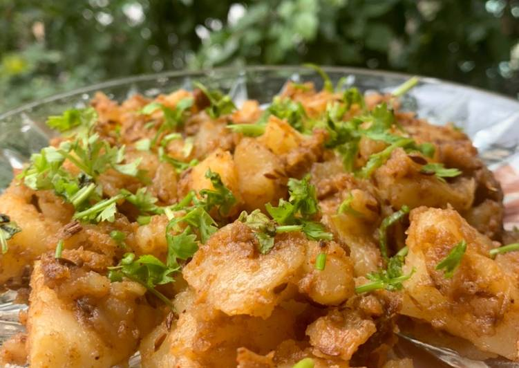 Recipe of Quick Ghee aloo jeera roast with anardana powder