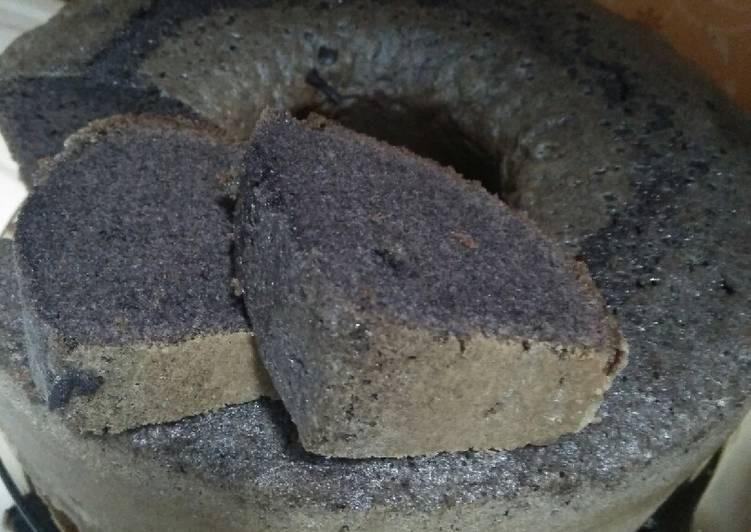 cara mengolah Bolu ketan item panggang baking pan - Sajian Dapur Bunda