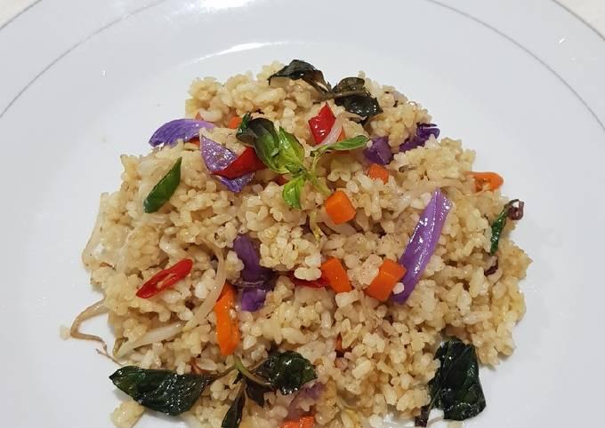 95. Nasi Goreng Kemangi Vegetarian (Indonesia)