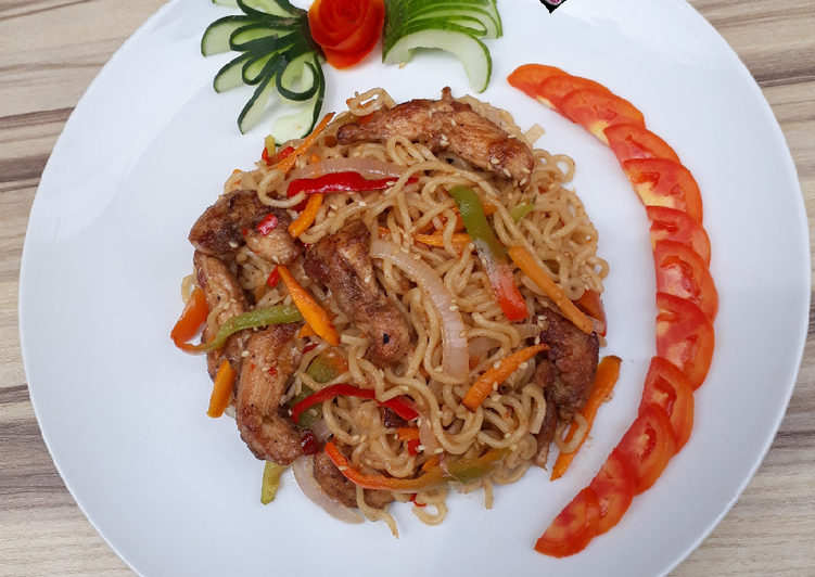 Simple Way to Make Speedy Chinese Chicken Chow Mein